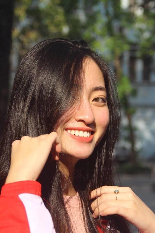 Mặt mộc xinh đẹp của Hoa hậu thế giới Vietnam Lương Thuỳ Linh ảnh 5