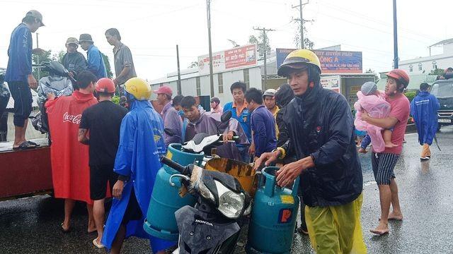 Phú Quốc lũ dâng cao ngang đầu người, huy động 1.000 quân cứu dân ảnh 14