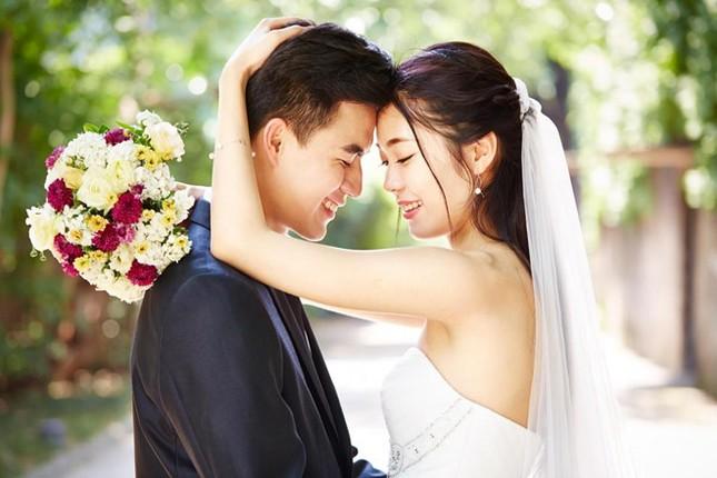 Giới trẻ Trung Quốc không ngại chi mạnh cho đám cưới độc lạ ảnh 1
