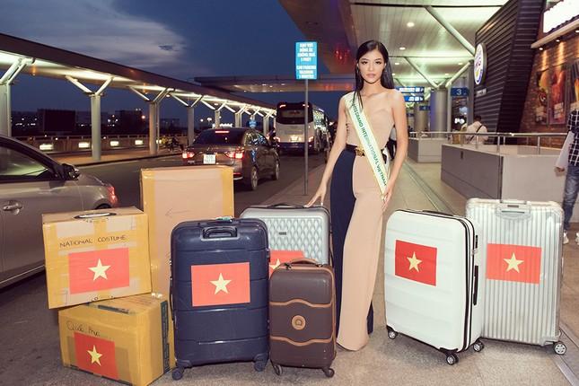 Á hậu Kiều Loan gây náo loạn sân bay khi sang Venezuela dự thi Miss Grand 2019 ảnh 1