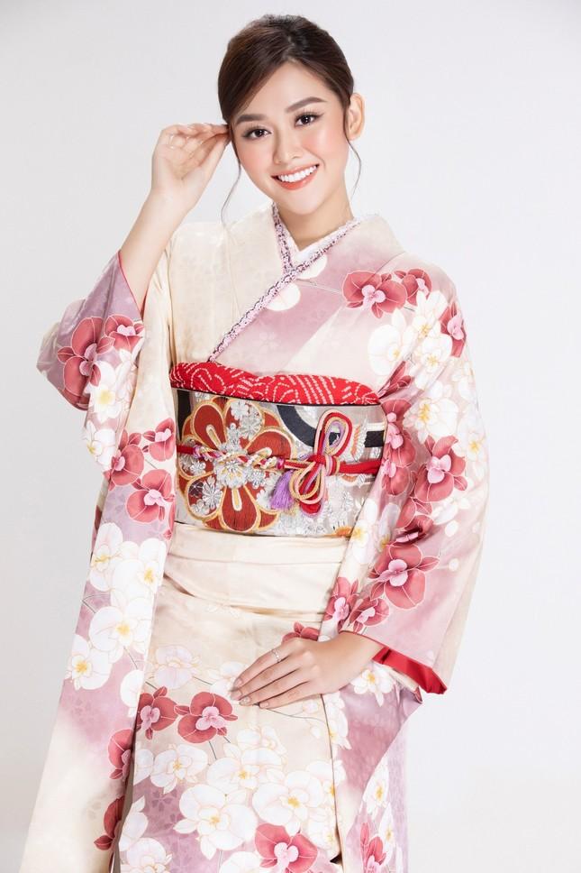 Á hậu Tường San diện kimono xinh đẹp, hoá mỹ nhân xứ Phù Tang ảnh 4