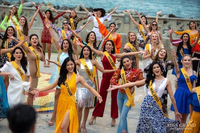 Á hậu Kiều Loan chễm chệ trên 21 bảng xếp hạng trước chung kết Miss Grand ảnh 5