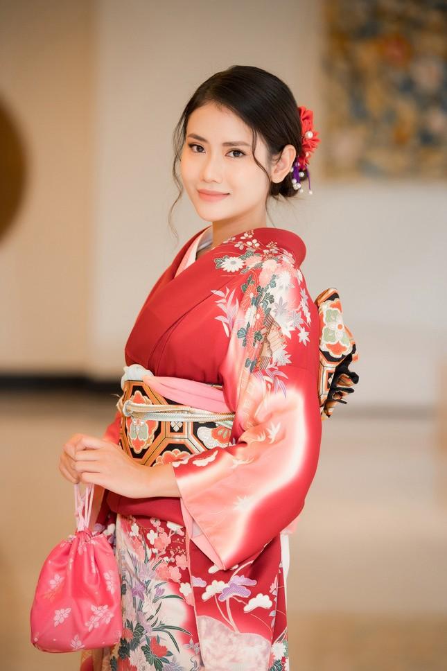 Tường San-Huyền My khoe vai trần nuột nà, Đỗ Mỹ Linh diện váy xẻ táo bạo ảnh 12