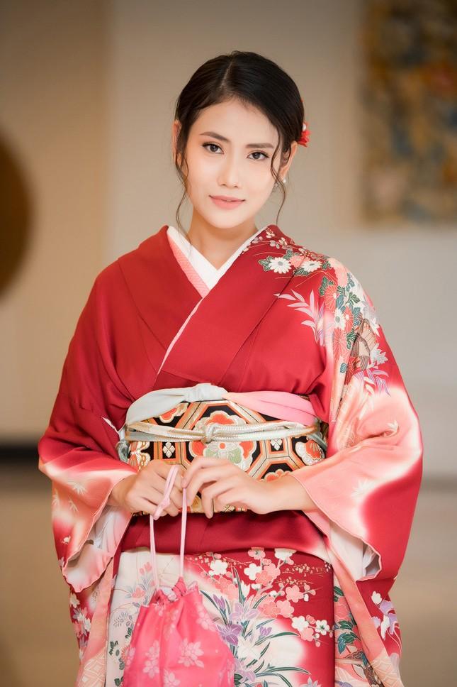 Tường San-Huyền My khoe vai trần nuột nà, Đỗ Mỹ Linh diện váy xẻ táo bạo ảnh 13