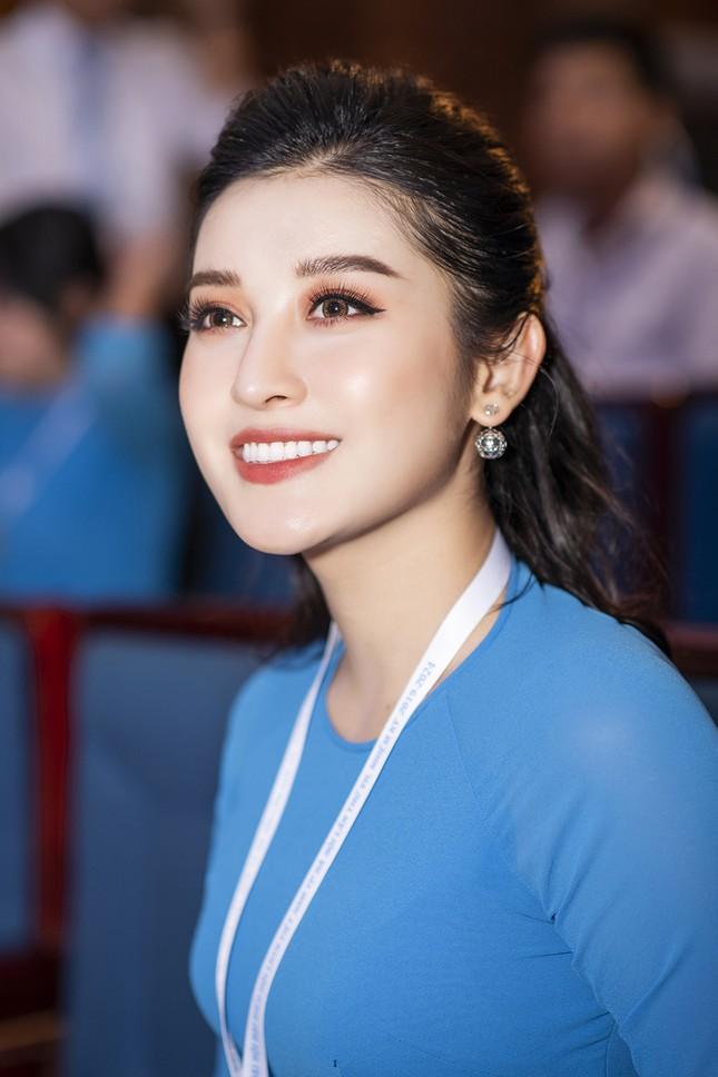 Á hậu Huyền My, Đình Trọng vào Ủy ban Hội LHTN Việt Nam thành phố Hà Nội ảnh 5