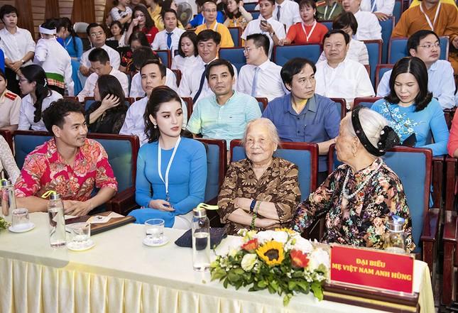 Á hậu Huyền My, Đình Trọng vào Ủy ban Hội LHTN Việt Nam thành phố Hà Nội ảnh 7