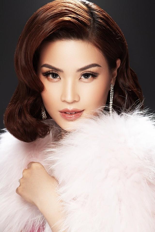 Á hậu Kiều Loan hé lộ trang phục dân tộc hoành tráng khiến fans 'phát sốt' ảnh 18