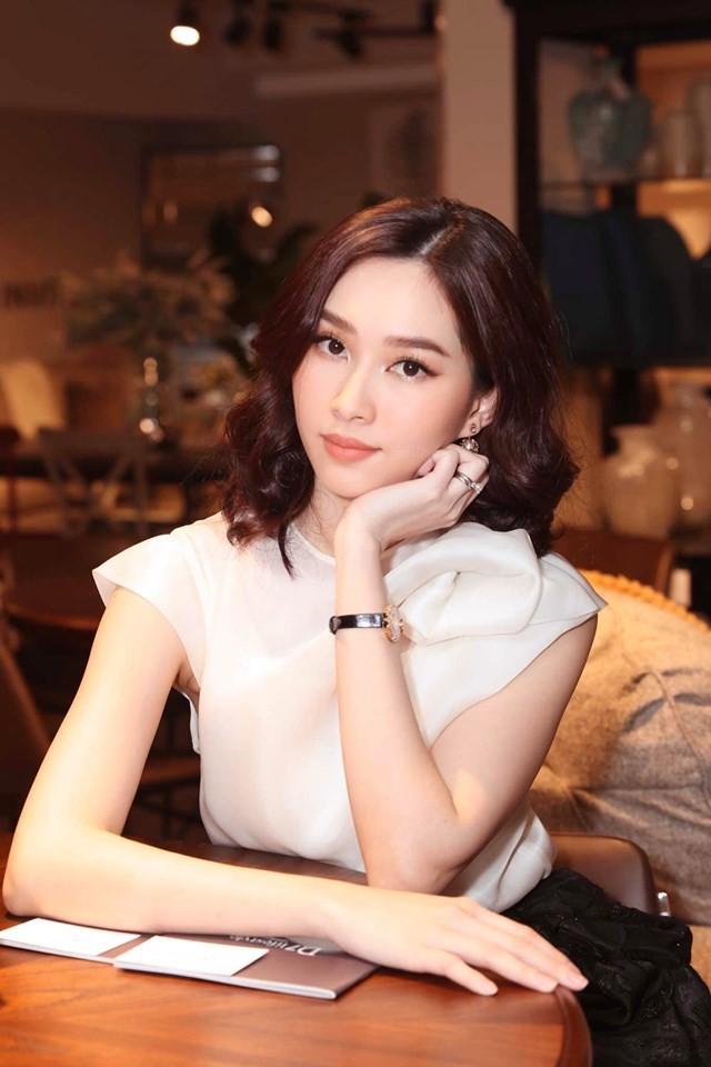 Á hậu Kiều Loan hé lộ trang phục dân tộc hoành tráng khiến fans 'phát sốt' ảnh 14