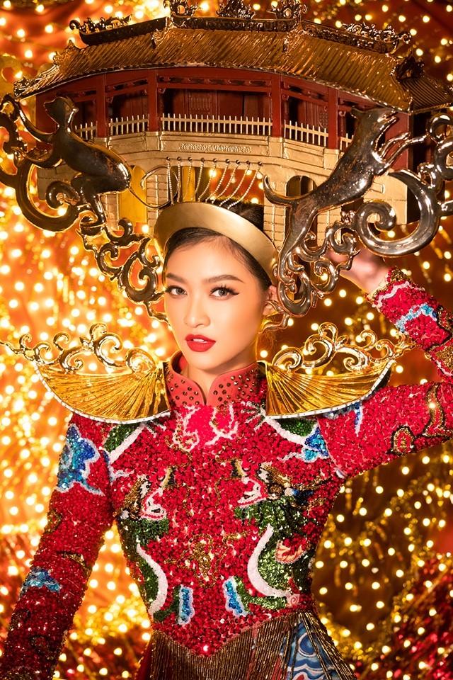 Á hậu Kiều Loan hé lộ trang phục dân tộc hoành tráng khiến fans 'phát sốt' ảnh 4