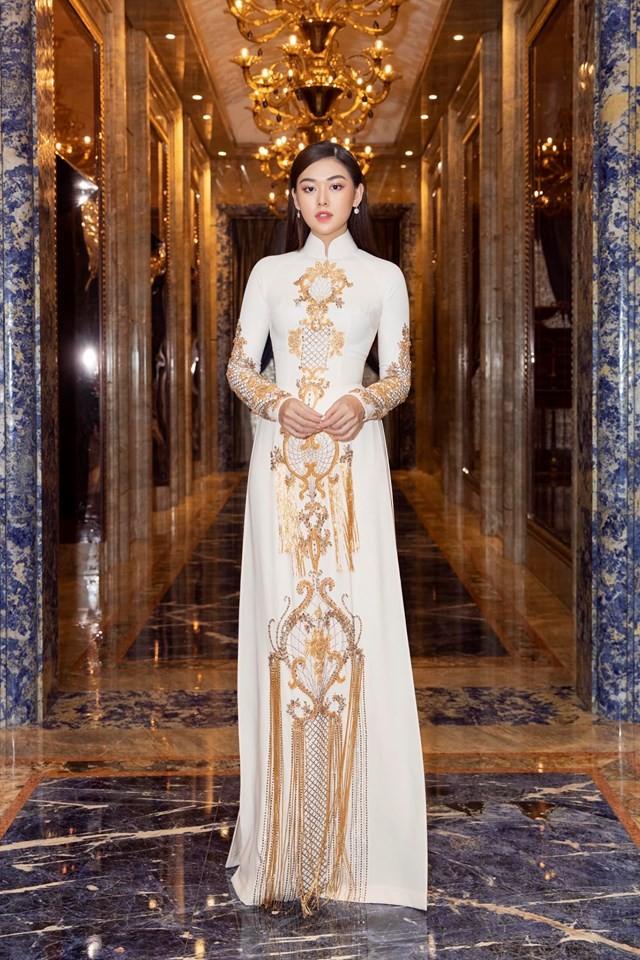 Á hậu Kiều Loan hé lộ trang phục dân tộc hoành tráng khiến fans 'phát sốt' ảnh 10
