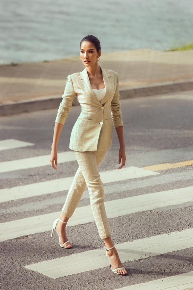 Á hậu Kiều Loan hé lộ trang phục dân tộc hoành tráng khiến fans 'phát sốt' ảnh 6