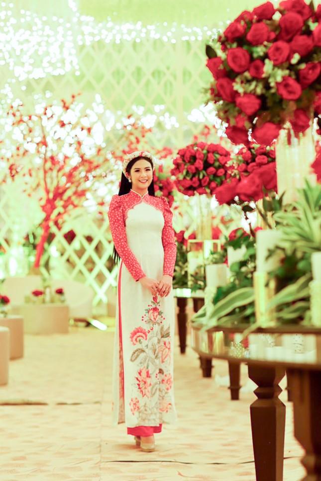 Hoa hậu Ngọc Hân, Á hậu Phương Nga dự đám cưới con gái của đại gia Ấn Độ ảnh 2
