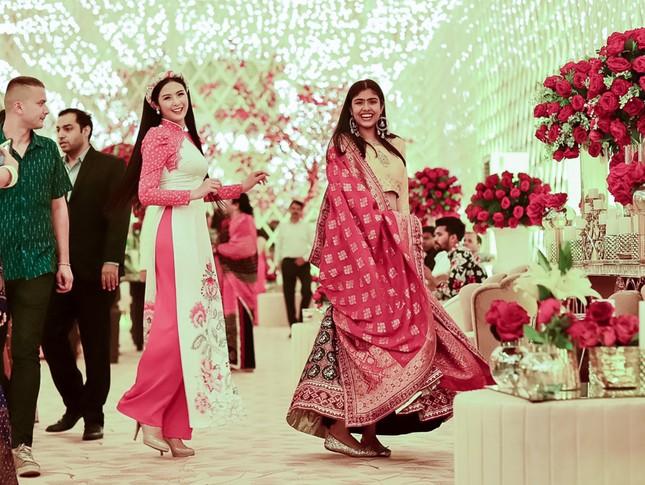 Hoa hậu Ngọc Hân, Á hậu Phương Nga dự đám cưới con gái của đại gia Ấn Độ ảnh 11