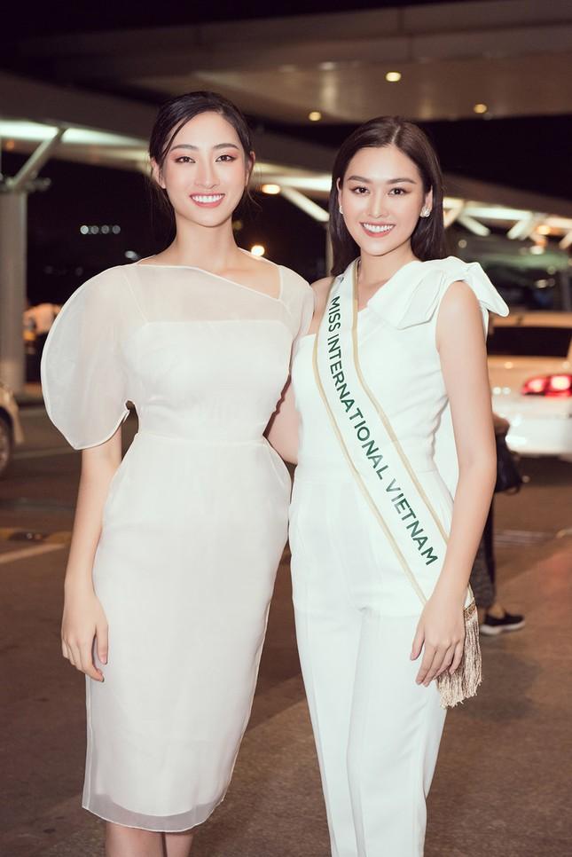 Tường San khoe bố 'soái ca' cao 1m8 ở sân bay, sang Nhật thi Miss International ảnh 4