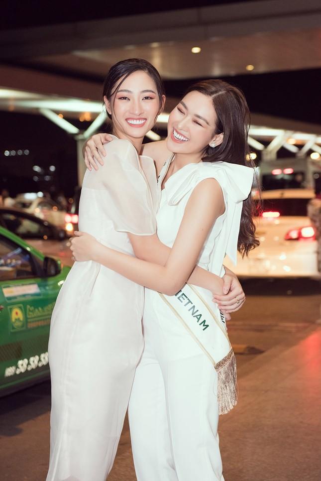 Tường San khoe bố 'soái ca' cao 1m8 ở sân bay, sang Nhật thi Miss International ảnh 5