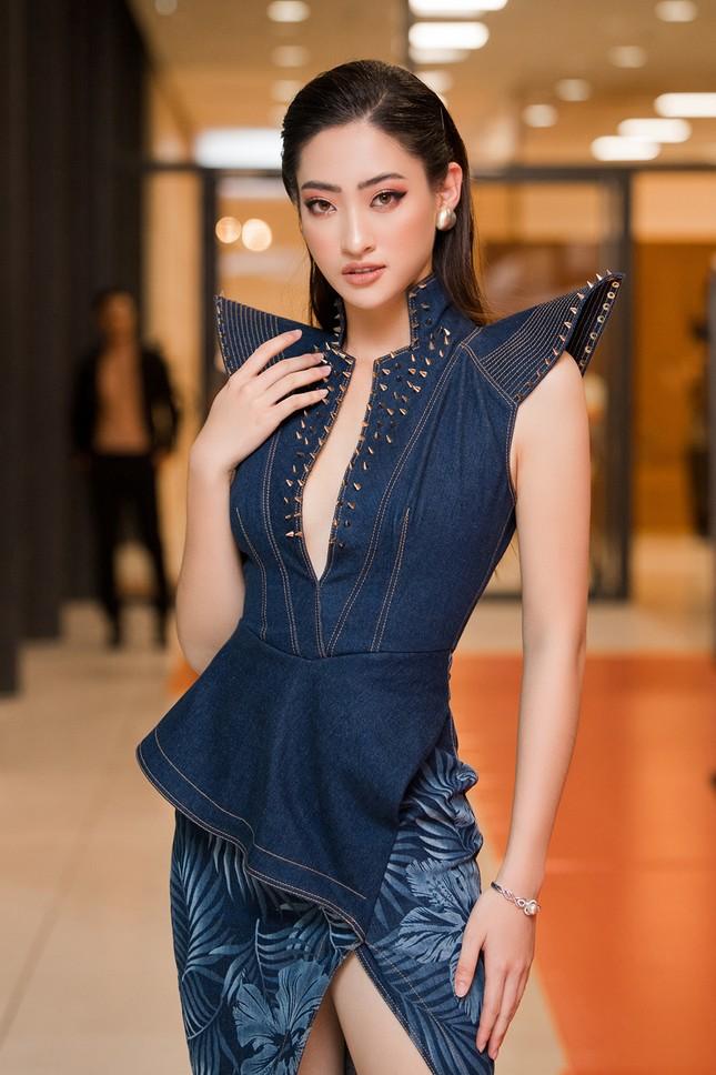 Xinh đẹp tựa 'nữ thần', Tiểu Vy đánh bật dàn sao đình đám giành giải Best Dress ảnh 7