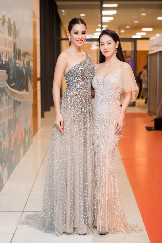Xinh đẹp tựa 'nữ thần', Tiểu Vy đánh bật dàn sao đình đám giành giải Best Dress ảnh 5
