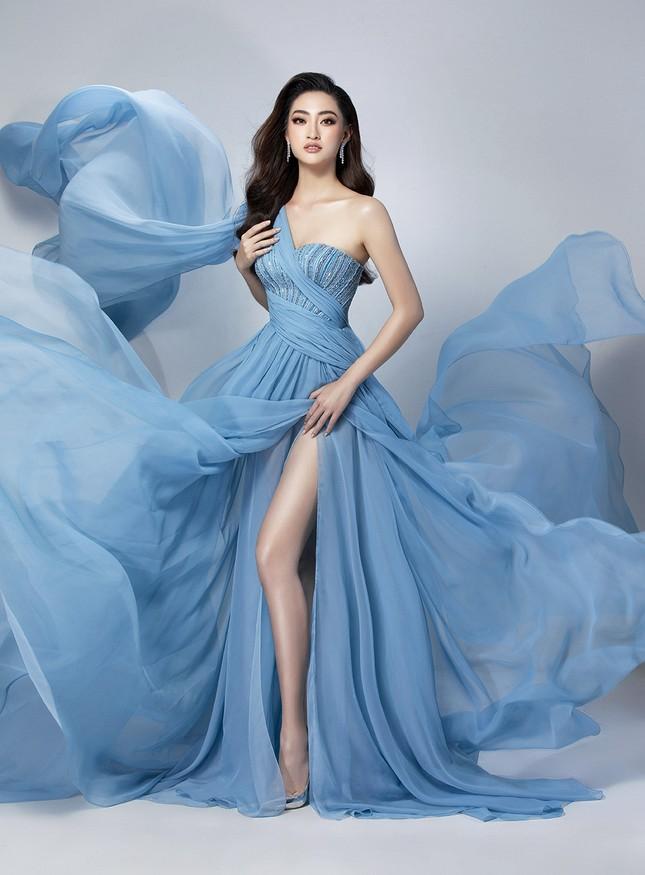 Lương Thuỳ Linh mặc váy xẻ khoe chân dài 'trứ danh' 1m22 ở phần thi Top Model ảnh 10