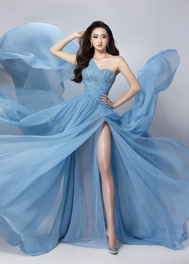 Lương Thuỳ Linh mặc váy xẻ khoe chân dài 'trứ danh' 1m22 ở phần thi Top Model ảnh 4