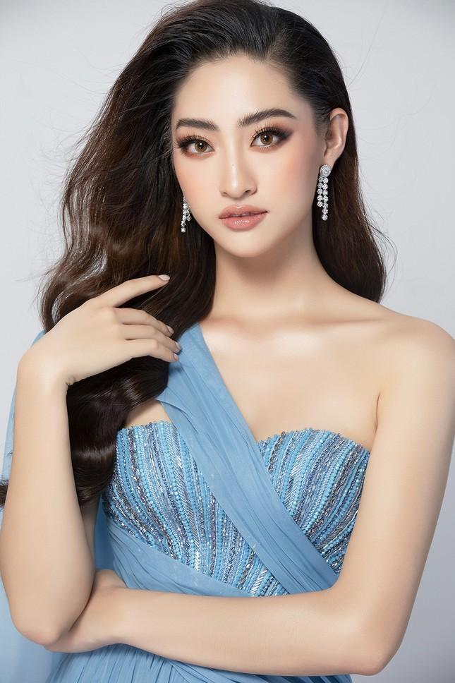 Lương Thuỳ Linh mặc váy xẻ khoe chân dài 'trứ danh' 1m22 ở phần thi Top Model ảnh 8