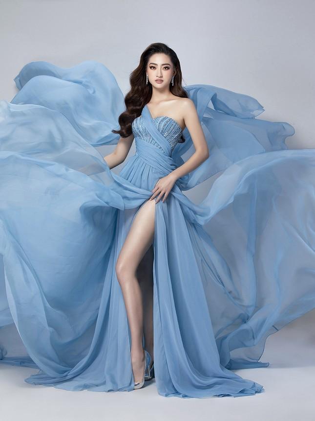 Lương Thuỳ Linh mặc váy xẻ khoe chân dài 'trứ danh' 1m22 ở phần thi Top Model ảnh 9