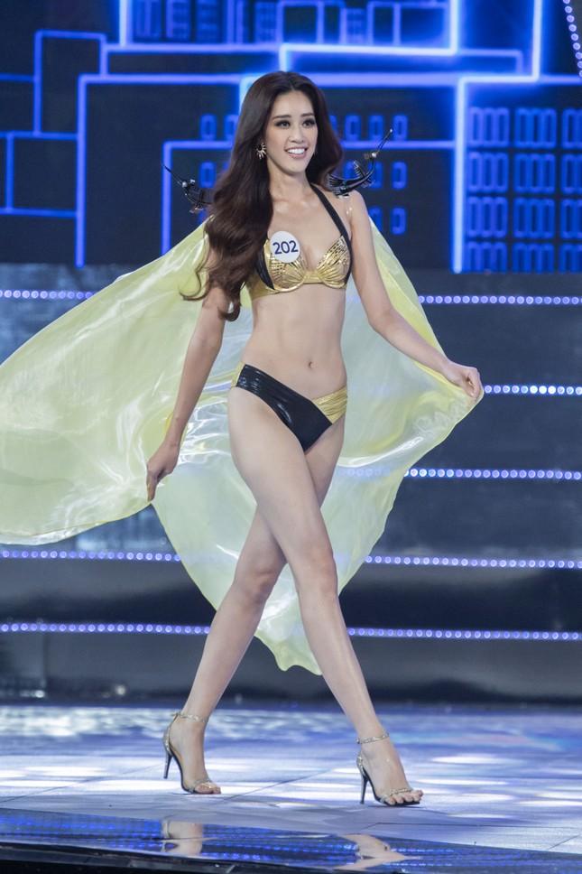 Top 15 Hoa hậu Hoàn vũ VN nóng bỏng diễn bikini với 'đôi cánh thiên thần' ảnh 8