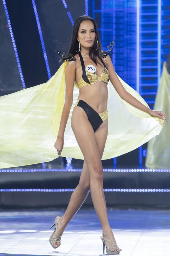 Top 15 Hoa hậu Hoàn vũ VN nóng bỏng diễn bikini với 'đôi cánh thiên thần' ảnh 11
