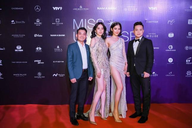 Mâu Thuỷ, Thanh Hằng nóng bỏng trên thảm đỏ chung kết Hoa hậu Hoàn vũ Việt Nam ảnh 13