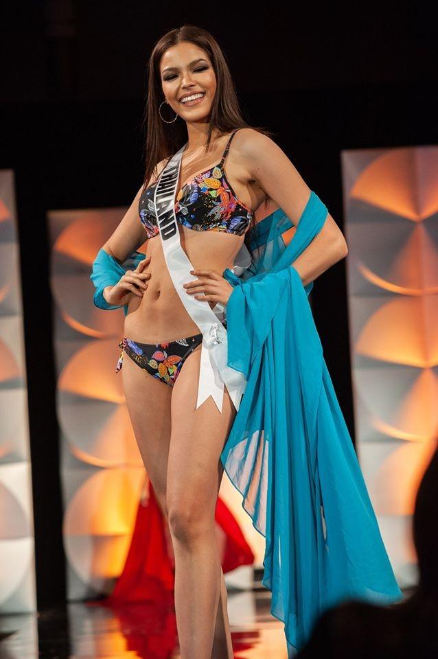 Màn diễn bikini 'rực lửa' của Hoàng Thuỳ và dàn thí sinh ở bán kết Miss Universe ảnh 3