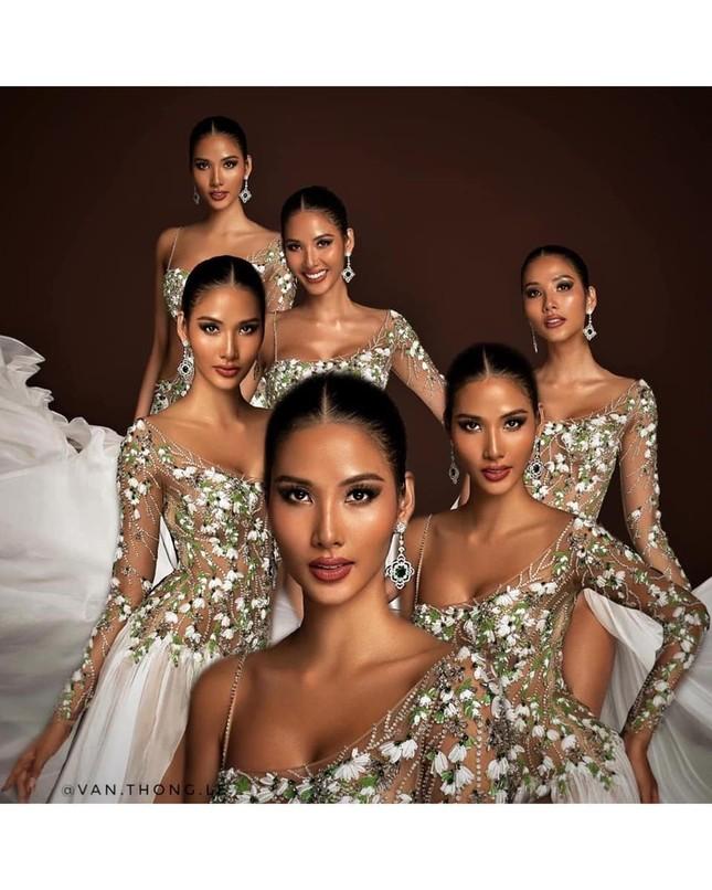 Nhìn lại hành trình với nhiều dấu ấn rực rỡ của Hoàng Thuỳ ở Miss Universe 2019 ảnh 13