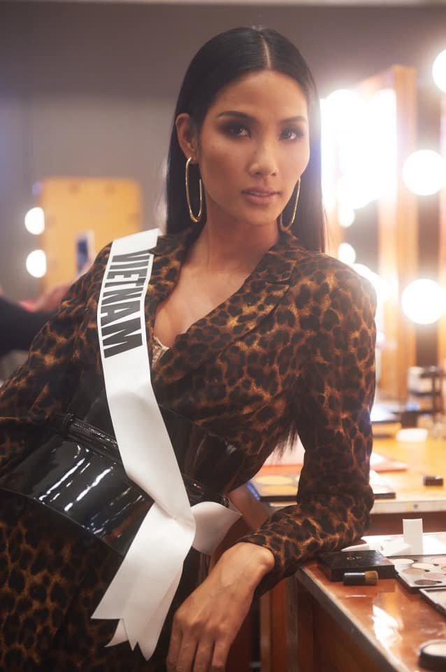 Nhìn lại hành trình với nhiều dấu ấn rực rỡ của Hoàng Thuỳ ở Miss Universe 2019 ảnh 4