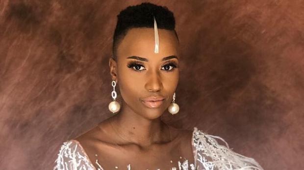 Nhan sắc nóng bỏng của mỹ nhân Nam Phi vừa đăng quang Hoa hậu Hoàn vũ 2019 ảnh 2
