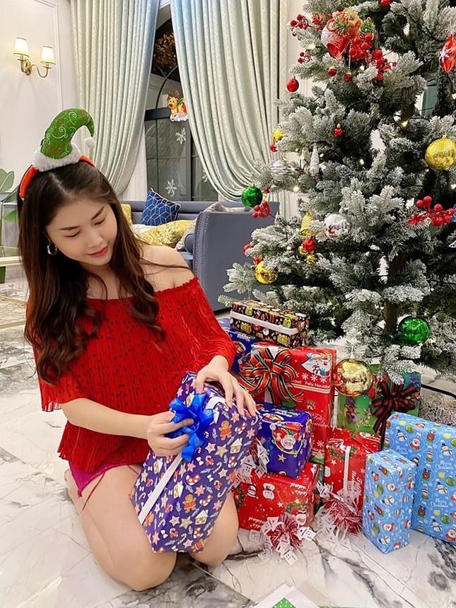 Ngất ngây ngắm loạt biệt thự của sao Việt lộng lẫy đón Giáng Sinh ảnh 13