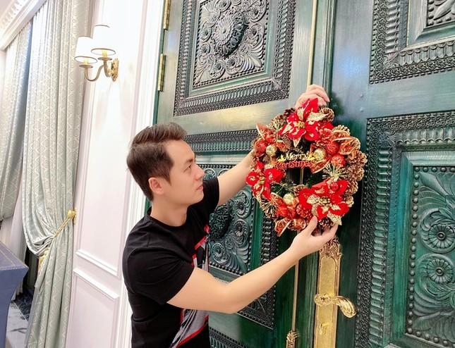 Ngất ngây ngắm loạt biệt thự của sao Việt lộng lẫy đón Giáng Sinh ảnh 12
