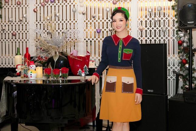 Ngất ngây ngắm loạt biệt thự của sao Việt lộng lẫy đón Giáng Sinh ảnh 5