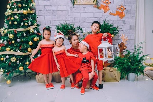 Ngất ngây ngắm loạt biệt thự của sao Việt lộng lẫy đón Giáng Sinh ảnh 10