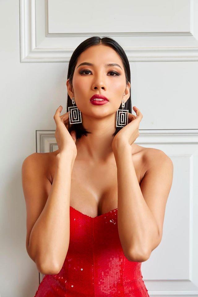 Á hậu Hoàng Thuỳ, Thuý An cùng diện váy cúp ngực khoe vòng 1 hút mắt ảnh 2