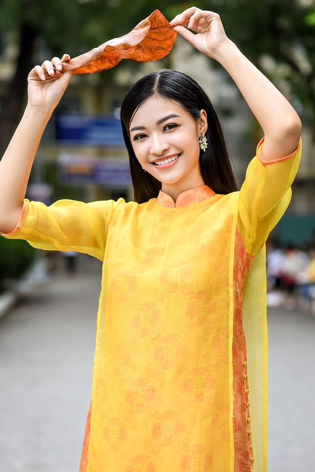Á hậu Kiều Loan 'cosplay' rapper Đen Vâu trong Táo xuân Canh Tý ảnh 6