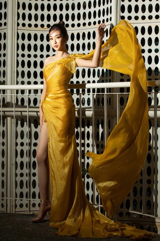 Dàn Hoa- Á hậu diện trang phục đồng điệu, khoe sắc nóng bỏng trên thảm đỏ ảnh 8