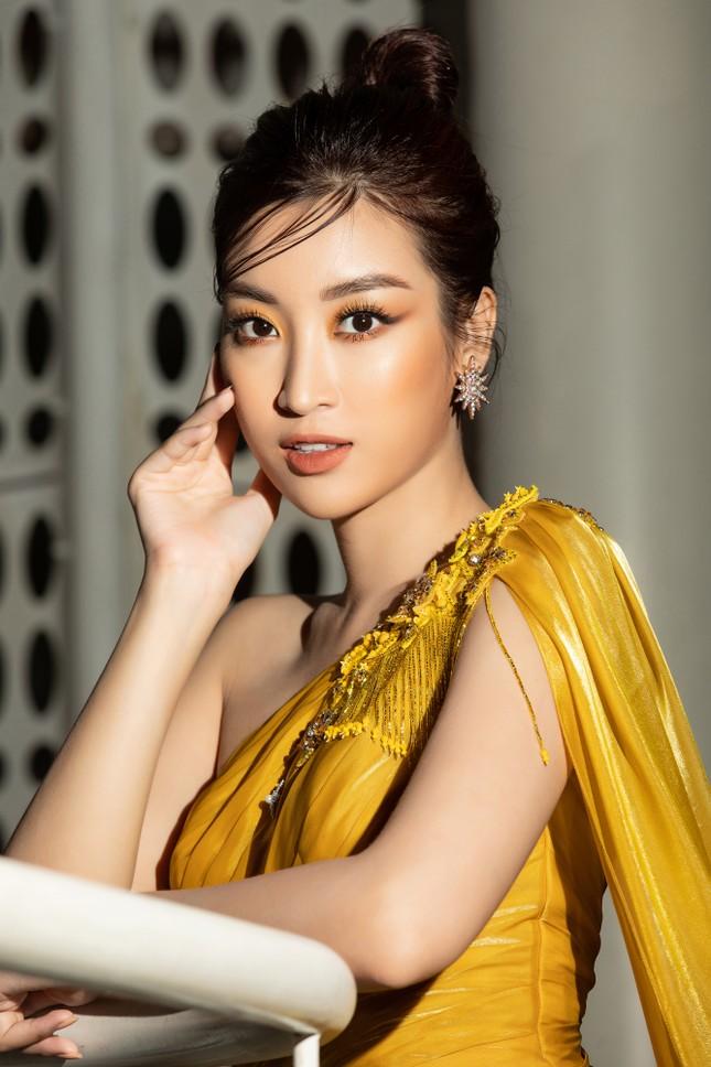 Dàn Hoa- Á hậu diện trang phục đồng điệu, khoe sắc nóng bỏng trên thảm đỏ ảnh 7