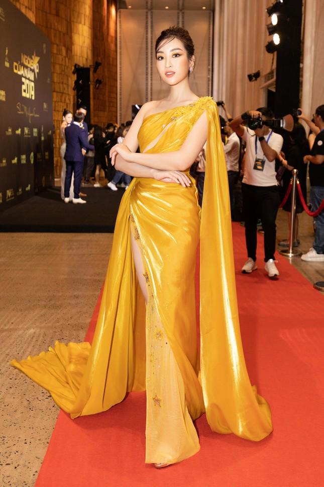 Dàn Hoa- Á hậu diện trang phục đồng điệu, khoe sắc nóng bỏng trên thảm đỏ ảnh 6