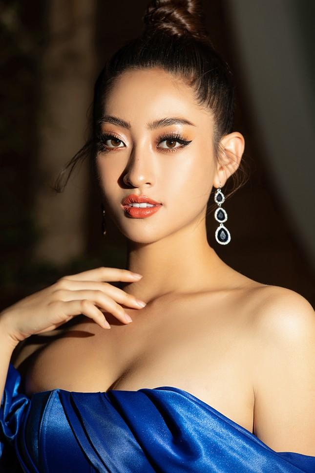 Dàn Hoa- Á hậu diện trang phục đồng điệu, khoe sắc nóng bỏng trên thảm đỏ ảnh 5