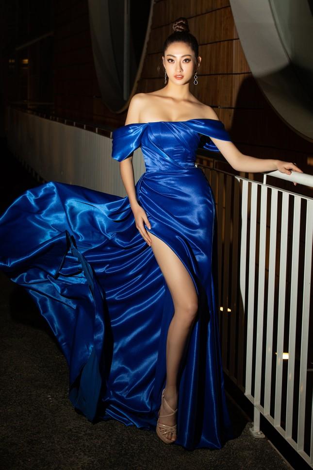 Dàn Hoa- Á hậu diện trang phục đồng điệu, khoe sắc nóng bỏng trên thảm đỏ ảnh 4