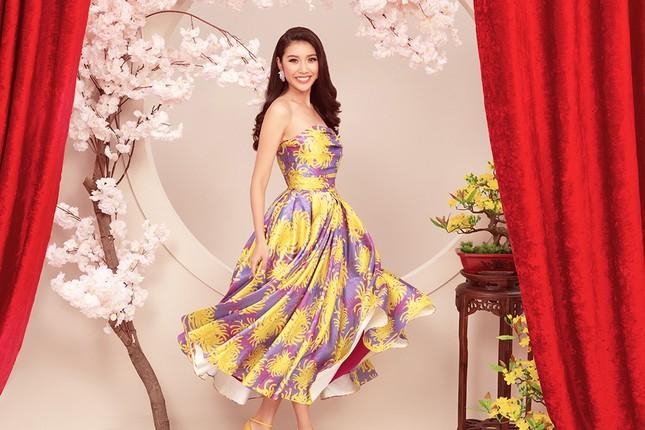 Khánh Vân, Kim Duyên, Thuý Vân diện áo dài 'đám cưới chuột' trong bộ ảnh Tết ảnh 11