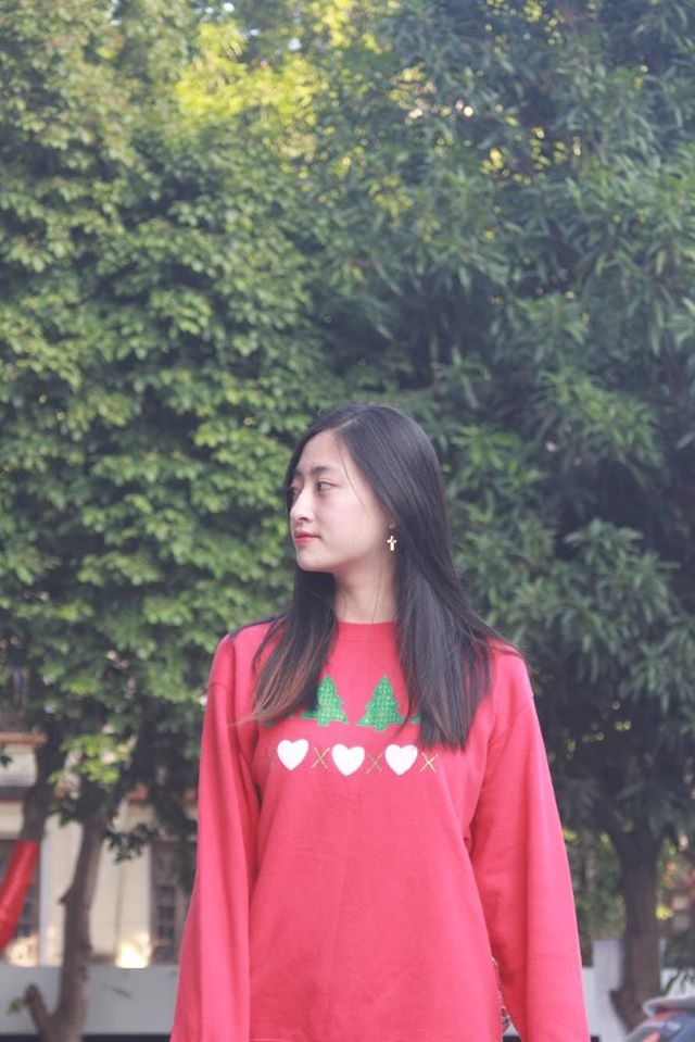 Hoa hậu Ngọc Hân khoe ảnh ăn tất niên cùng cầu thủ Tiến Linh khiến fan 'ghen tỵ' ảnh 13
