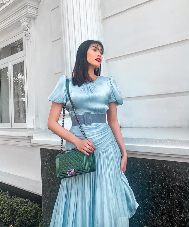 Hoa hậu Ngọc Hân khoe ảnh ăn tất niên cùng cầu thủ Tiến Linh khiến fan 'ghen tỵ' ảnh 14