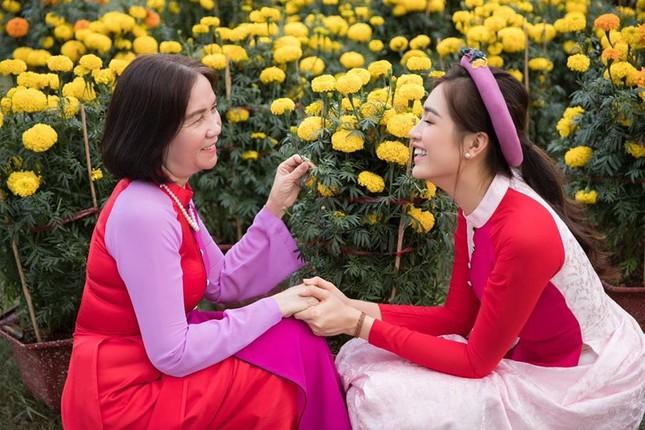 Dàn Hoa, Á hậu khoe nhà đẹp trang hoàng lộng lẫy chuẩn bị đón Giao thừa ảnh 16