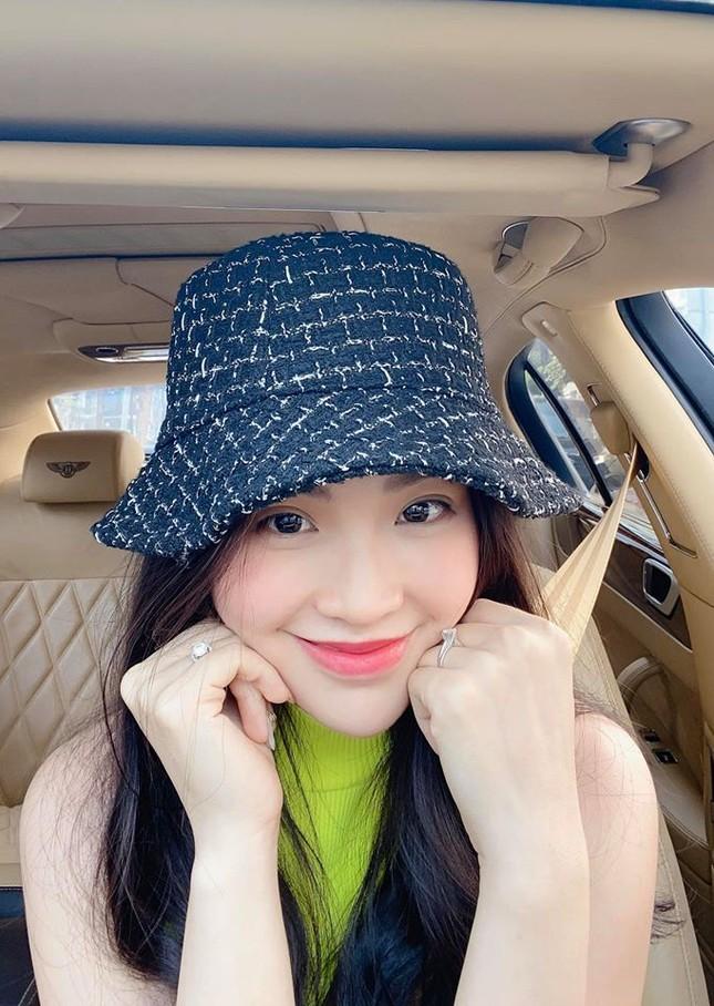 Minh Tú nóng 'bỏng mắt' với bikini, Huyền My gợi cảm trên đất Thái ảnh 11