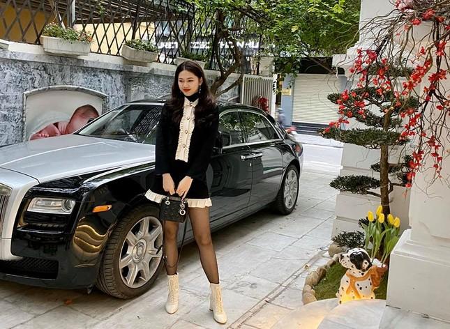 Minh Tú nóng 'bỏng mắt' với bikini, Huyền My gợi cảm trên đất Thái ảnh 13