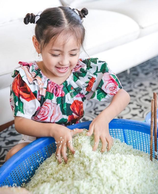 Những lần mặc đồ đôi 'chất như nước cất' của Hà Kiều Anh và con gái út ảnh 10
